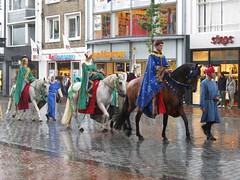 Gebroeders van Limburg festival 2014, Nijmegen (Stewie1980) Tags: horses netherlands canon nijmegen nederland medieval powershot 31 zondag reenactors augustus paarden gelderland 2014 nimwegen middeleeuws sx130 figuranten nimgue gebroedersvanlimburgfestival blijdeincomste sx130is canonpowershotsx130is