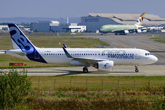 Taxi/RTO tests for Airbus's first A320neo (David B. - just passed the 7 million views. Thanks) Tags: france plane airplane airport factory aircraft aviation hangar line final prototype airbus neo toulouse a320 assembly a77 fal testbed 70300 airbusa320 hautegaronne midipyrénées a320200 70300g avgeek airbusa320200 sony70300gssm finalassemblyline a320neo a77v sonyalpha77 airbusa320neo sonydslta77v fwneo msn6101