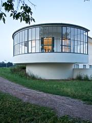 Kornhaus Dessau (lars_uhlig) Tags: modernism moderne bauhaus elbe dessau kornhaus glasfassade