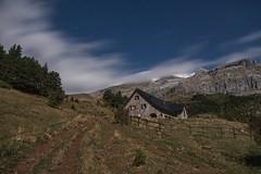 Refugio de Lizara (edugoikoa) Tags: refugio lizara montaa nieve pirineos huesca valle de hecho arages del puerto monte nocturna