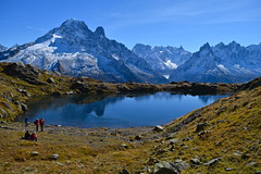 Les yeux de la Montagne The eyes of the mountains (CHAM BT) Tags: eau lac montagne automne glace gelee bleu contempler pierre rocher reflet neige water lake mountain autumn ice frost blue contemplate stone rock reflexion snow chamonix montblanc france hautesavoie