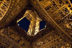 Eiffel Tower (_Jorge_) Tags: lugares torreeiffel vacaciones viaje visita francia parís paris france d3000