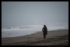 Sealady (Teone!) Tags: brussa t vallevecchia mare sea donna woman beach spiaggia autunno autumn venezia venice veneto italia italy caorle