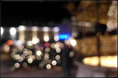 alter Titel: Advent, neuer Titel: unscharfe Lichter der Adventstnde und Eiserner Brunnen (vor morgen) Tags: advent farben brauchtum fotografie lichtmalerei