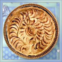 Tartes aux Pommes - France (pom.angers) Tags: panasonicdmctz3 2008 november orléans 45 france europeanunion food tarteauxpommes gastronomy gastronomie pâtisserie pommes apples applepie pastry centrevaldeloire