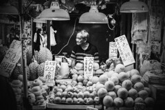 Mongkok, Hong Kong (mikemikecat) Tags: street bw monochrome 35mm vintage asian hongkong blackwhite sony snapshot mongkok carlzeiss a7r sel35f28z