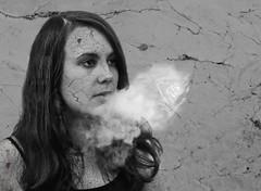 Smoking Kills - Fumer tue (dzzdzz012) Tags: white black kill noir cigarette smoke wb nb blanc cracked fume tuer fissure tue fumer fume craquel