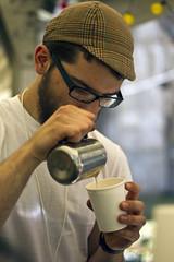 Kawka (Slot Art Festival) Tags: barista kafo 090713 wolontariusze mateuszbilski cafewirydarz parzeniekawy