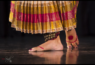 Ayswaria Wariar - elegant and smooth Mohiniyattam performance...