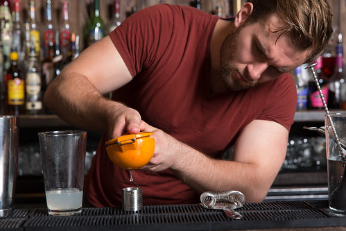 Cocktail bartending courses