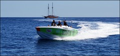 modern piracy (tor-falke) Tags: boot wasser urlaub sightseeing malta schiff segelboot gozo mittelmeer torfalke flickrtorfalke