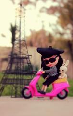 Jinx Does Paris