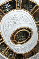Paleis het Loo, library (MiChaH) Tags: museum mirror library spiegel royal books palace ceiling bibliotheek apeldoorn boeken plafond paleis 2014 koninklijk hetloo koninklijkefamilie meidenweekend royalfamilie