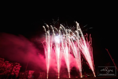 """Fireworks • <a style=""""font-size:0.8em;"""" href=""""http://www.flickr.com/photos/104879414@N07/15070065100/"""" target=""""_blank"""">View on Flickr</a>"""