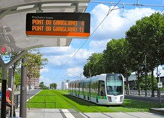 Le voici ! (Kay Harpa) Tags: paris france promenade tramway parisaumoisdaot 15thdistrict photokay aot2014