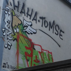 The green pencil, nearby trinite church, Brussels (P1080505) (signaturen) Tags: brussels pencil graffiti bruxelles tags crayon brssel brussel murales bleistift trinite garedumidi hinzufgen wallpinting blddumidi
