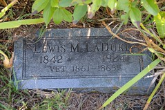 Civil War Veteran's Grave Marker (thefisch1) Tags: county grave graveyard nikon civilwar marker kansas historical veteran wabaunsee