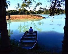 o velho e o barco (pieronimercialee) Tags: old man boat farm landascape