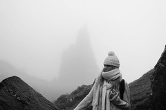(Hoppipolga) Tags: old uk girls bw mountain man skye fog clouds canon scotland blackwhite europe teenager isle bianconero hebrides storr