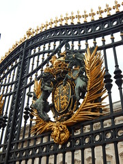 Buckingham Palace First Gate (anastzach) Tags: london buckingham palace victorian age gold england coat arms