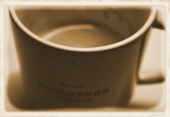 A coffee story (ldopa95) Tags: coffee mug starbucks vintage sepia bw old stains stained cafe taza black white blanco negro mancha manchado viejo