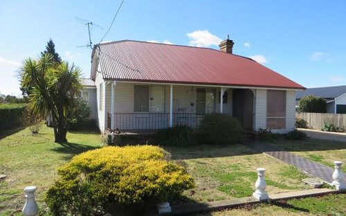 142 Lang Street, Glen Innes NSW 2370