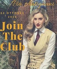 Pia (bof352000) Tags: woman tie necktie suit shirt fashion businesswoman elegance class strict femme cravate costume chemise mode affaire