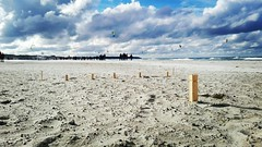 Warum nicht bei diesem miesen #wetter eine Runde #kubb am #strand spielen und schon den ersten #glühwein testen! 😅 Wo spielt ihr Kubb? #mvnow #aufnachmv #ostseeküste (mvnow) Tags: instagramapp square squareformat iphoneography uploaded:by=instagram beach strand ostsee ostseeküste balticsea baltic sea kubb kitesurfing kiten kitesurfen surfen