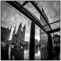 Marktplatz (ZaglFoto.de) Tags: deutschland de sachsenanhalt hallesaale street streetphotography streetphotographer strase blackandwhite blackandwhitephotography blackandwhitephotographer