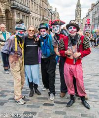 Edinburgh Festival Fringe 2016_cclasp_#raiseasmile2016 (Mick PK) Tags: edinburgh edinburghfestivalfringe2016 edinburghfringe edinburghfringefestival2016 fringe highstreet oldtown places royalmile scotland streetperformer streetphotography streettheatre uk cclasp