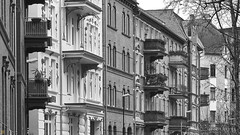 balconies (blattboldt) Tags: balkonien balcony balconies jena jahnstrase sonyilce6300 alpha6300 zeiss batis1885 emount architecture batis85mmf18 blackandwhite bw schwarzweis simple simplicity einfachheit   fassade facade faade   strase haus huser houses huserreihe   rowofhouses thringen thuringiagermany