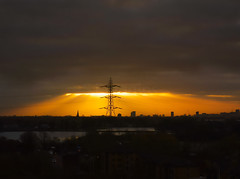 Pylon power.. Sunrise over Walthamstow Reservoirs and River Lea (boulogne_92100) Tags: tottenham reservoirs sunrise pylon river lea walthamstow