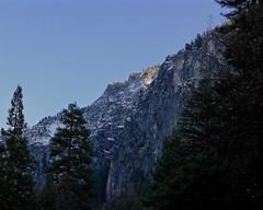 Yosemite National Park (Dhari .K ALFawzan) Tags: wilderness park yosemite outdoor mountain cliff landscape ridge mountainside crag usa ca canon national golden reflect