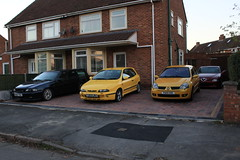28-11-16 001 (AcidicDavey) Tags: fiat bravo hgt broom yellow renaultsport clio 182 liquid ly volvo v70