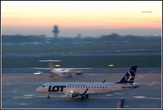 Embraer ERJ-175LR (Bartlomiej Mostek) Tags: europe europa poland polska mazovia mazowsze warszawa warsaw epwa lotniskochopina chopinairport embraer erj175lr splif cn17000154 lot polishairlines