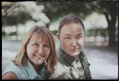 05.09.2011_26web (kodakplusx) Tags: polachrome 35mm polaroid paar couple lcheln sympathisch smile sympatique likeable sourire nikonf3 nokkorscauto 50mmf14