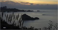 Le rocher de la vierge (MyLavie) Tags: biarritz anglet cotebasque ocan coucherdesoleil nuage lumire pentax myla mylnelavie