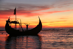 At the border (martien van asseldonk) Tags: man coxsbazar bangladesh sea sunset boat