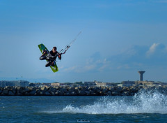 KiteSurfer can fly (Keulkeulmike Photography) Tags: sea mer kite sports water sport fly flying surf extreme surfing kitesurfing kitesurf xtreme voler glisse keulkeulmike
