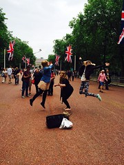 (Mişaela) Tags: girls london happy visiting