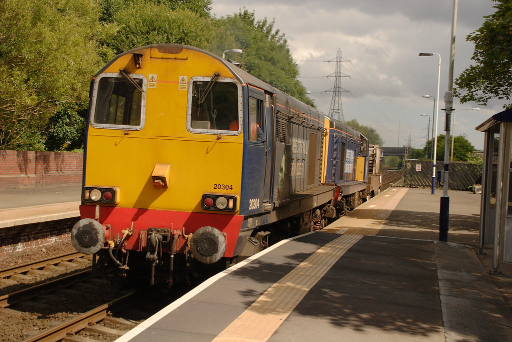 The worlds best photos of 20304 and drs flickr hive mind 20304 20312 6m60 rob390029 tags english station train track diesel platform tracks rail thecheapjerseys Gallery
