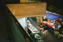 D71_6300 (eggysayoga) Tags: street film 35mm nikon market f18 pasar dx badung d7100 vsco