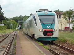 Minuetto a Borgofranco d'Ivrea (Mattia Madau-Matti treno 99) Tags: md valle treno ivrea daosta minuetto borgofranco