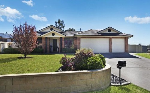 16 Tipperary Dr, Ashtonfield NSW 2323