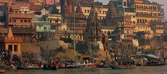 INDIEN, india, Varanasi (Benares) frhmorgends  entlang der Ghats , 14479/7429 (roba66) Tags: indien indiennord asien asia india inde northernindia urlaub reisen travel explore voyages visit tourism roba66 city capital stadt cityscape building architektur architecture arquitetura monument bau fassade faade platz places historie history historic historical geschichte benares varanasi ganges ganga ghat pilgerstadt pilger hindu hindui menschen people indianlife indianscene brauchtum tradition kultur culture indiansequence hinduismus