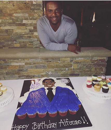 18-polkatots cupcake cakes