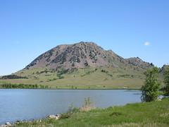 Bear Butte state park, South Dakota (Prairie Star) Tags: volcano bearbutte statepark midwest lake southdakota buttes 4426ft bearbuttelake scenicmidwest sunny bluesky sacred butte