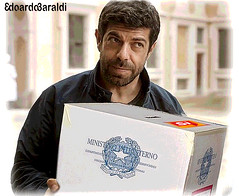 MERCENARI (edoardo.baraldi) Tags: favino referendum spotperilsi lapartenza urna