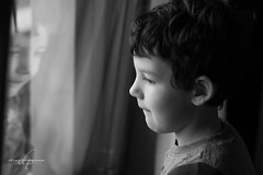 Stefano (Diego Pianarosa (aka Pinku)) Tags: diegopianarosa pinku stefano bw window finestra glass vetro child filgio son bambino riflesso reflection