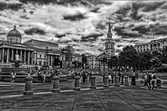 Trafalgar Square (D. Lorente) Tags: dlorente nikon nubes urban urbana bw bn buildings london paseando architecture ciudad city monument plaza